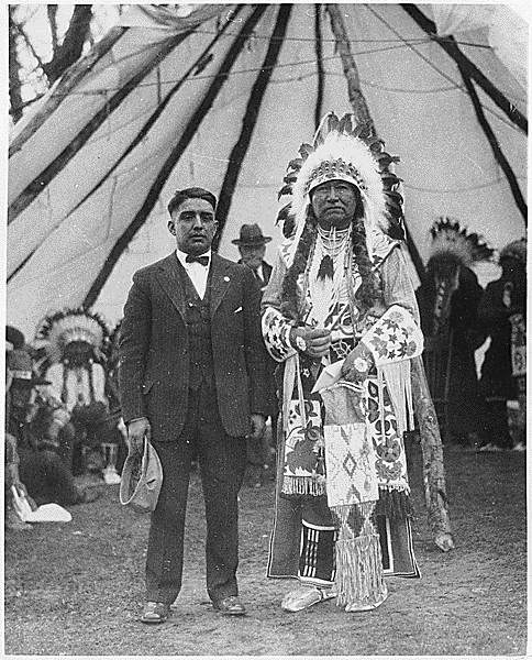 Cheif Tendoi with interpreter Geoge LaVatta at Fort Hall Reservation, ca. 1923