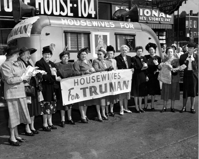 """Housewives for Truman"" in New York, 1948"